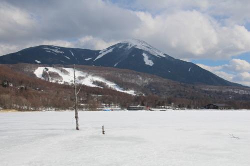 女神湖と蓼科山・ブログ.jpg