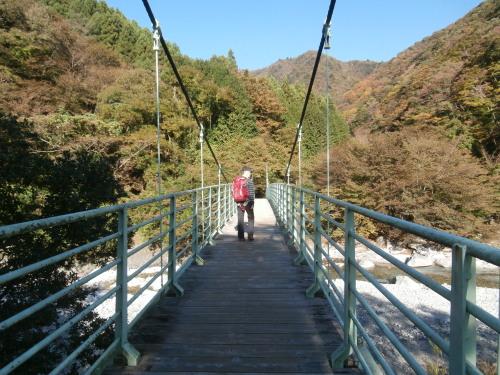 登山口のつり橋・ブログ用.jpg