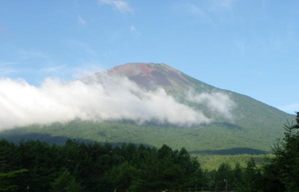 登山口より岩手山.jpg